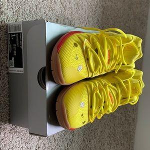 Nike Kyrie 5 Spongebob Size 1